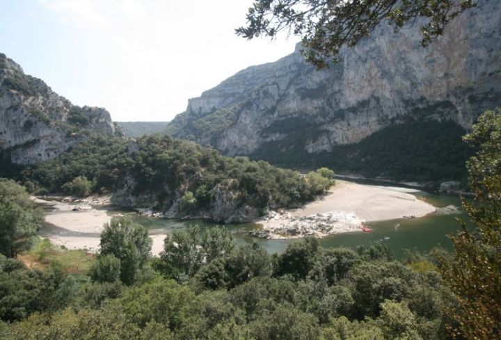 Camping in the heart of the nature of the Ardeche Gorges