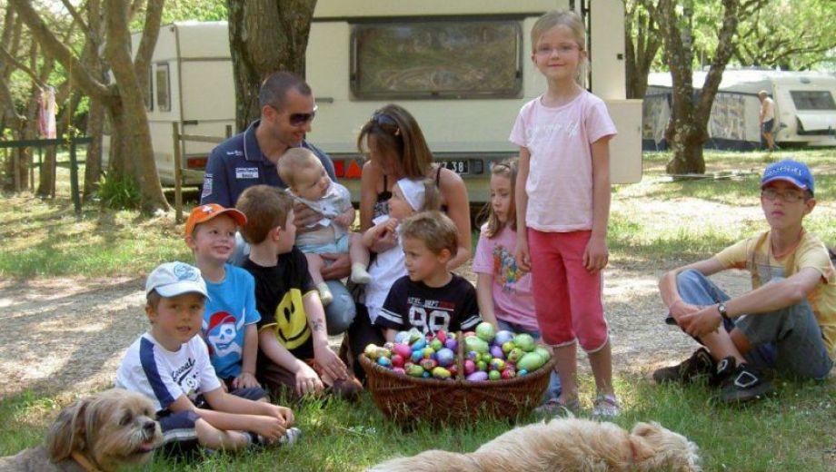 Chasse aux œufs à Pâques