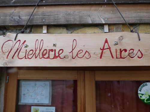 Miellerie Les Aires : honey shop in Chauzon