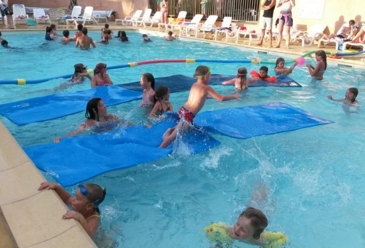 activity pool Mini club