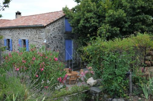 Holiday Cottage in the countryside Le Mas d'Entraygues