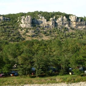 Le camping en bordure de rivière